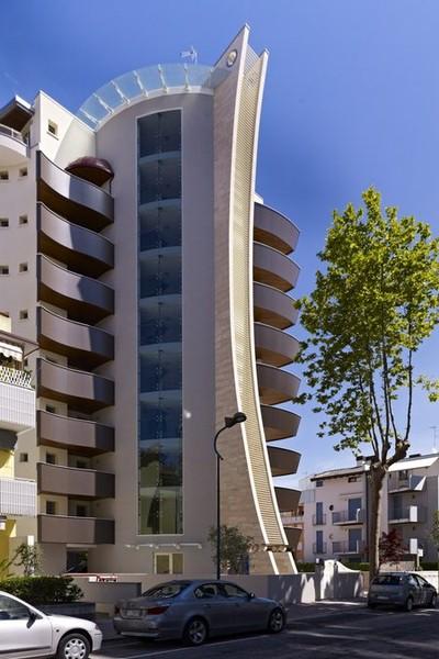Torre bahia agenzia studio mare for Appartamenti lignano