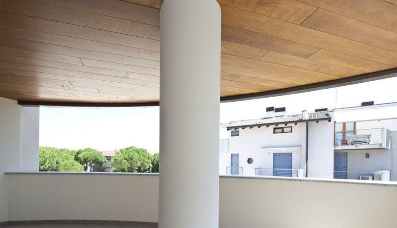 dettaglio legno soffitto terrazze